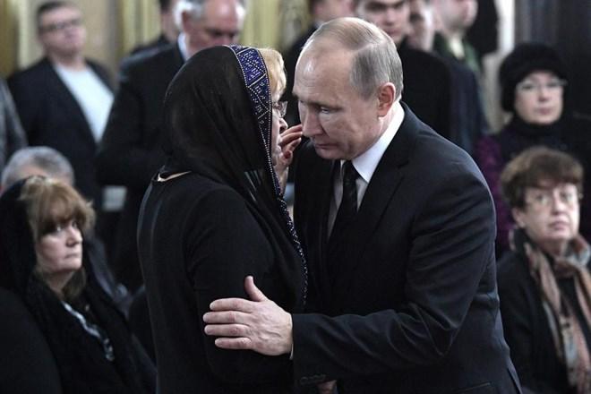 [Photo] Tổng thống Putin và lãnh đạo Nga tiễn biệt Đại sứ Karlov - Ảnh 2.