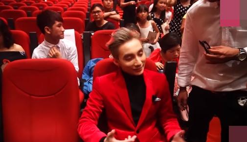 Hồ Văn Cường ngó lơ Sơn Tùng M-TP khi ngồi cạnh nhau ở VTV Awards - ảnh 10
