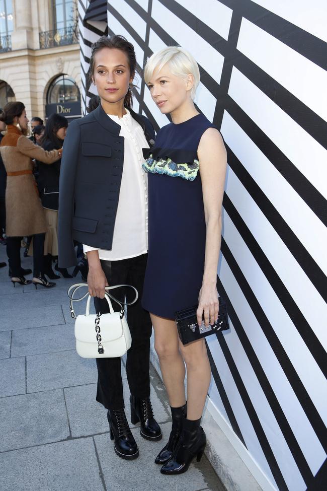 Phạm Băng Băng & Miranda Kerr: Cuộc chiến nhan sắc lẫn phong cách tại show Louis Vuitton - Ảnh 11.