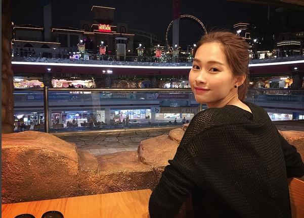 Cuộc sống đằng sau ánh đèn sân khấu của Hoa hậu sạch nhất Việt Nam - Ảnh 13.