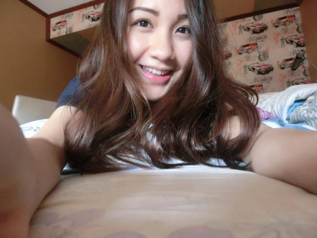 Hoá ra, hot girl Lào gốc Việt còn có chị gái cũng xinh, trẻ