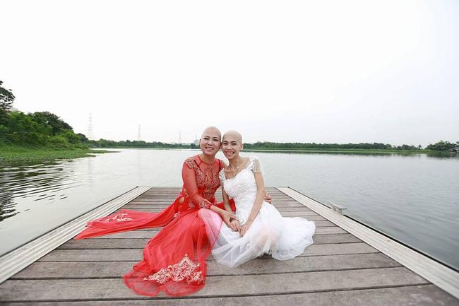 Khi cộng đồng photoshop chung tay đem hồ sen đến với 2 cô gái ung thư máu ở Hà Nội - Ảnh 2.