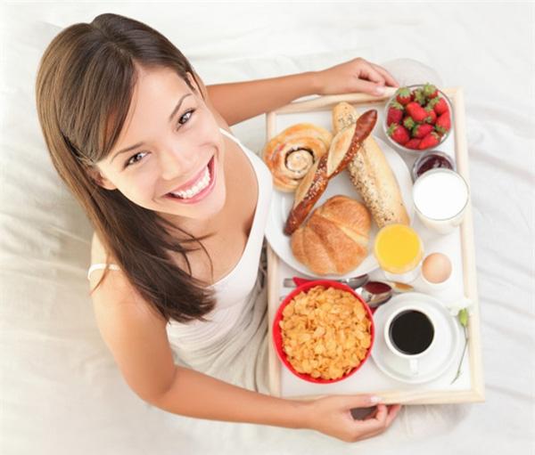 Đánh răng trước khi ăn sáng, sai lầm gây hại sức khỏe hơn 80% mọi người mắc phải - Ảnh 2.
