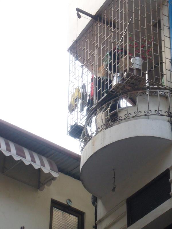 Hàng ngàn người Hà Nội ăn nước phở bẩn mỗi sáng - Ảnh 2.