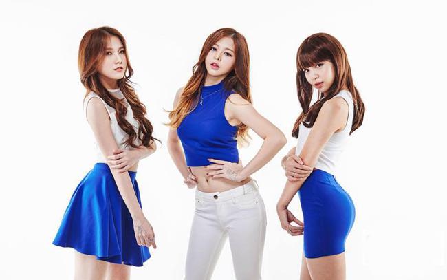 Vẻ đẹp của ba cô gái Việt khiến ca sĩ Hàn trợn mắt, há mồm - Ảnh 2.