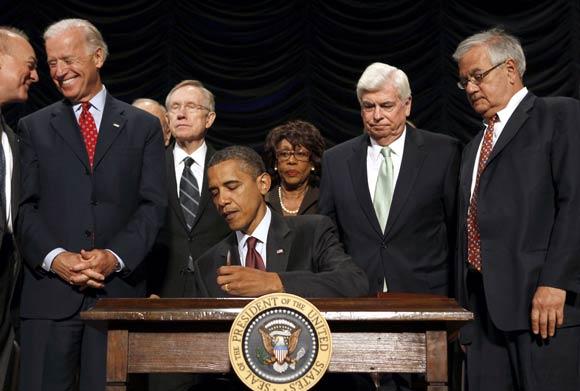Chỉ 100 ngày nữa ông Obama sẽ về hưu, đây là 3 di sản lớn nhất và gây tranh cãi nhất trong cuộc đời Tổng thống của ông - Ảnh 2.