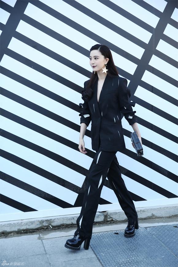 Phạm Băng Băng & Miranda Kerr: Cuộc chiến nhan sắc lẫn phong cách tại show Louis Vuitton - Ảnh 2.
