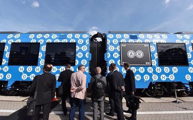 Đức sắp có tàu hỏa chạy hydro, chỉ thải ra hơi nước và nước sạch - Ảnh 2.