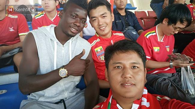 Ngoại binh Bờ Biển Ngà cũng… lè lưỡi với giờ thi đấu của đội tuyển Việt Nam - Ảnh 3.