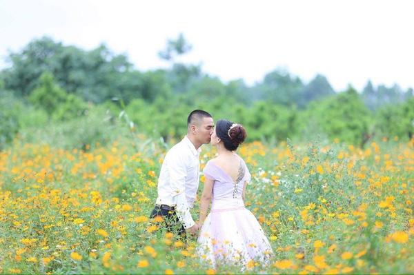 Thêm một nàng dâu mới về nhà chồng 1 mình còng lưng chiến đấu với 17 mâm bát ngổn ngang - Ảnh 3.