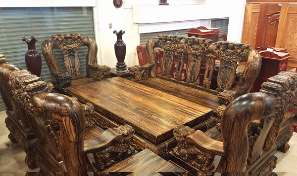 Chi m ng  ng v t ph m ti n t  qu  hi m c a gi i nh  gi u Vi t    nh 3. The most expensive wood furniture of the rich in Vietnam   News