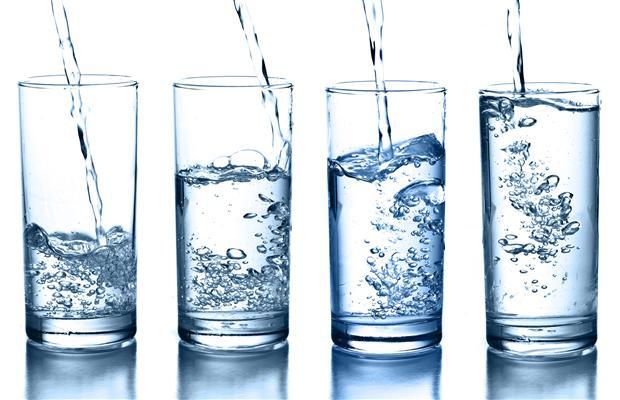 Chỉ cần uống một cốc nước có thể cứu được cả tính mạng của bạn - Ảnh 2.