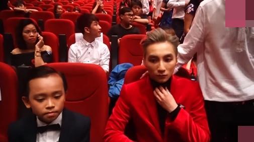 Hồ Văn Cường ngó lơ Sơn Tùng M-TP khi ngồi cạnh nhau ở VTV Awards - ảnh 3
