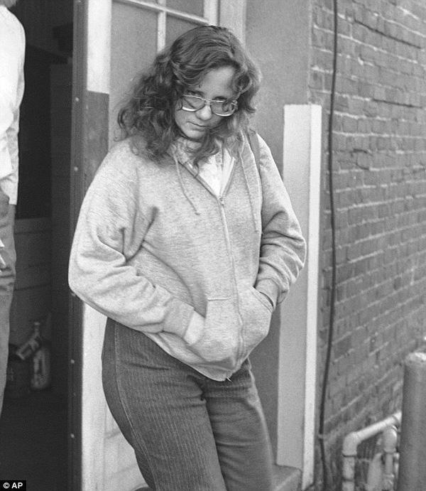 Thiếu nữ 20 tuổi xinh đẹp bị hãm hiếp liên tục và giam cầm trong hộp suốt 7 năm trời - Ảnh 3.
