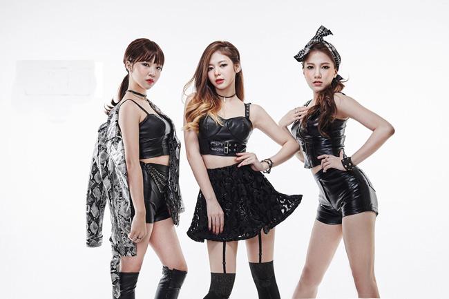 Vẻ đẹp của ba cô gái Việt khiến ca sĩ Hàn trợn mắt, há mồm - Ảnh 3.