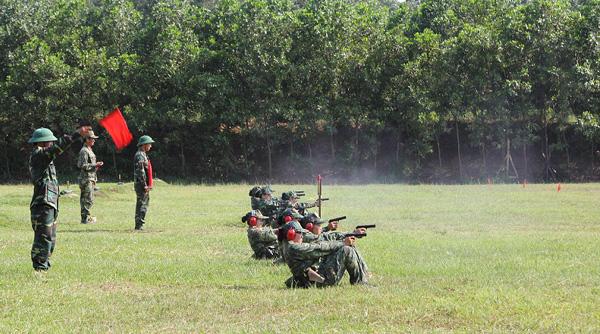 Nâng cao hơn nữa chất lượng huấn luyện, sẵn sàng chiến đấu - Ảnh 2.