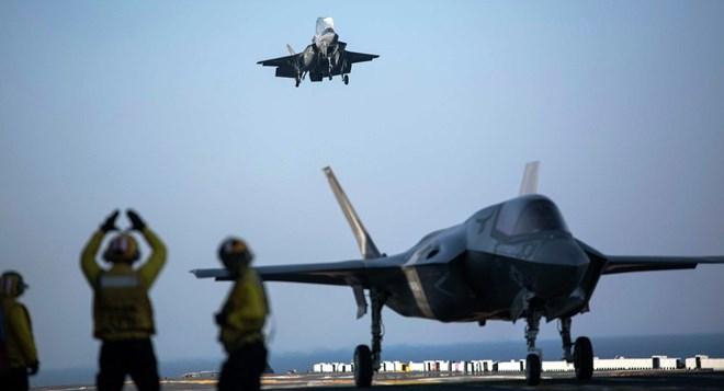 Mỹ tuyên bố sẽ điều tàu sân bay tấn công đổ bộ tới Nhật Bản - Ảnh 3.