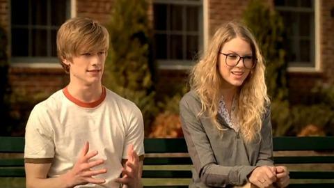 Taylor Swift - Cô ấy đẹp, hấp dẫn, giàu có và nổi tiếng, nhưng lại toàn bị đá - Ảnh 4.