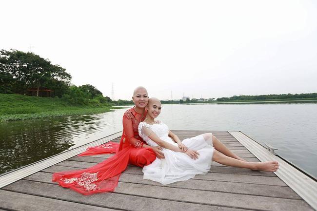 Khi cộng đồng photoshop chung tay đem hồ sen đến với 2 cô gái ung thư máu ở Hà Nội - Ảnh 5.