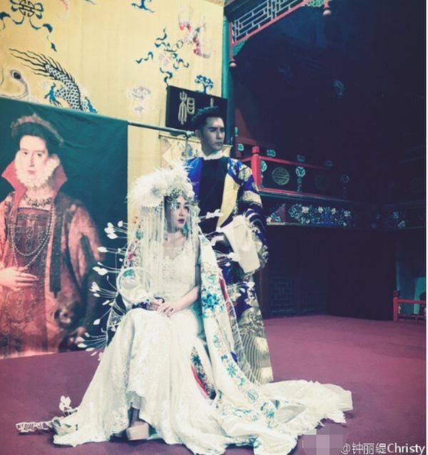 Sao gốc Việt Chung Lệ Đề khoe ảnh cưới phong cách kinh kịch độc nhất vô nhị - Ảnh 5.