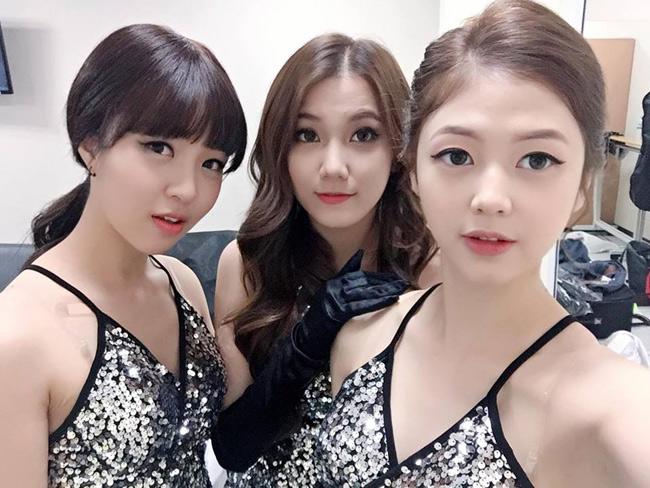 Vẻ đẹp của ba cô gái Việt khiến ca sĩ Hàn trợn mắt, há mồm - Ảnh 4.