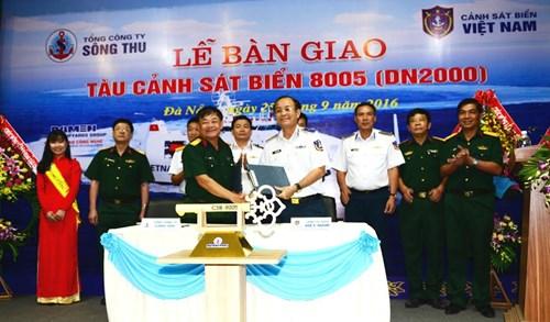 Bàn giao tàu CSB 8005 hiện đại hàng đầu Việt Nam - Ảnh 1.