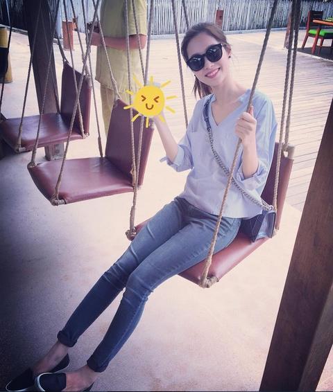 Cuộc sống đằng sau ánh đèn sân khấu của Hoa hậu sạch nhất Việt Nam - Ảnh 6.