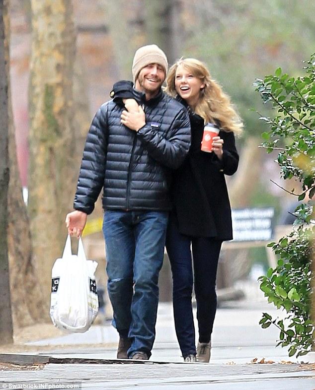 Taylor Swift - Cô ấy đẹp, hấp dẫn, giàu có và nổi tiếng, nhưng lại toàn bị đá - Ảnh 7.