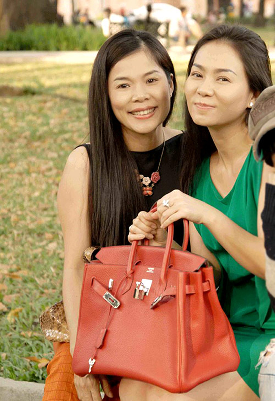 Túi Hermes màu đỏ