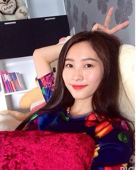 Cuộc sống đằng sau ánh đèn sân khấu của Hoa hậu sạch nhất Việt Nam - Ảnh 9.