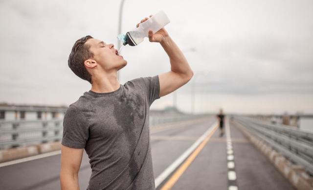 Không cà phê, không chè ... chỉ uống nước lọc trong 1 tháng, điều gì sẽ xảy ra với cơ thể bạn? - Ảnh 9.
