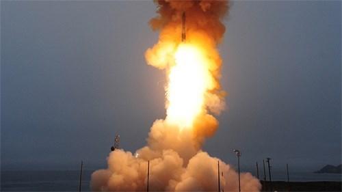 Tên lửa đạn đạo liên lục địa của Mỹ là vũ khí tấn công lợi hại - Ảnh 2.