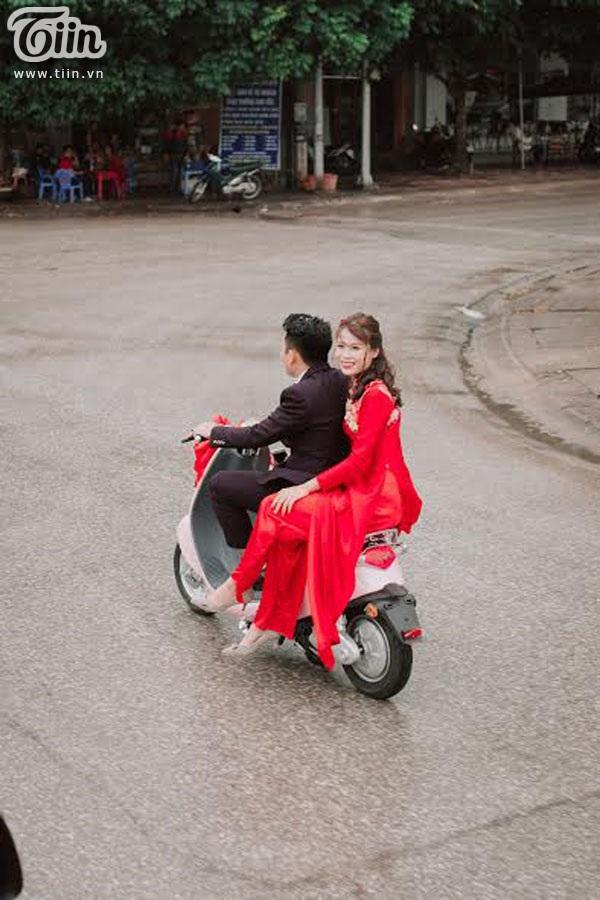 Cặp đôi quen, tỏ tình, cầu hôn và đi ăn hỏi đều có chiếc xe điện làm chứng - Ảnh 9.