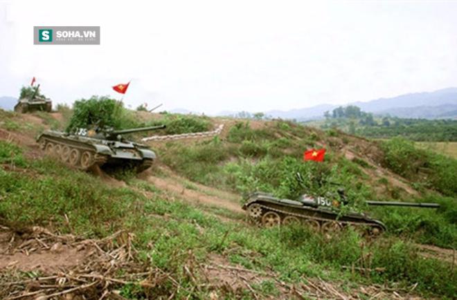 Nỗi khiếp đảm của các học viên lái xe tăng - Ảnh 1.