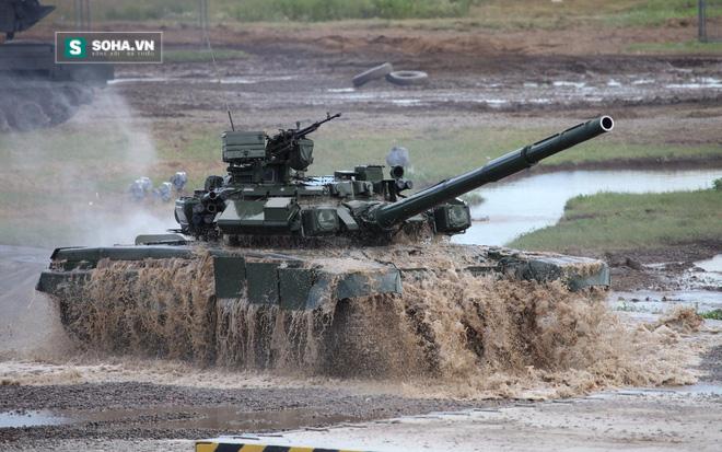 Nỗi khiếp đảm của các học viên lái xe tăng - Ảnh 2.