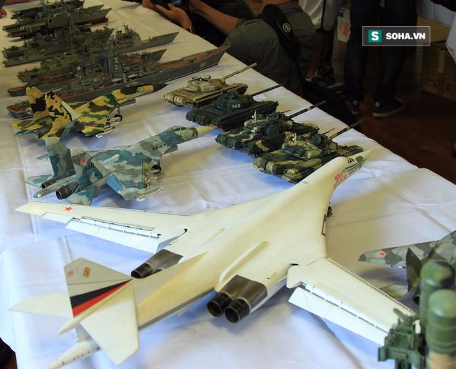 T-72B3, T-90, Su-30SM, Su-35 bất ngờ đồng loạt lộ diện tại Hà Nội - Ảnh 2.