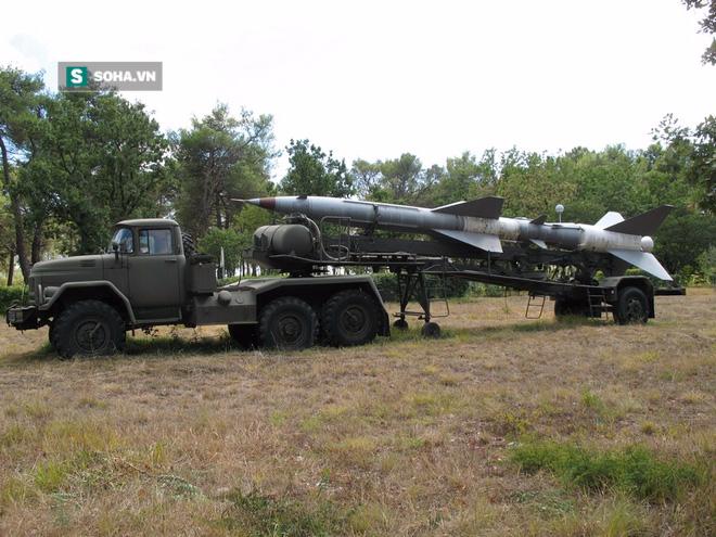 Chuyên gia nước ngoài mổ bụng tên lửa phòng không ở Việt Nam - Ảnh 2.