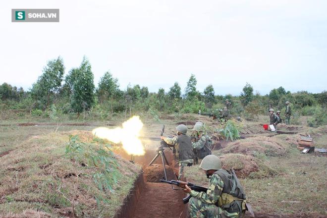 Bộ binh cơ giới Việt Nam diễn tập đánh địch đổ bộ đường không - Ảnh 5.