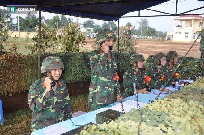 Bộ binh cơ giới Việt Nam diễn tập đánh địch đổ bộ đường không - Ảnh 1.