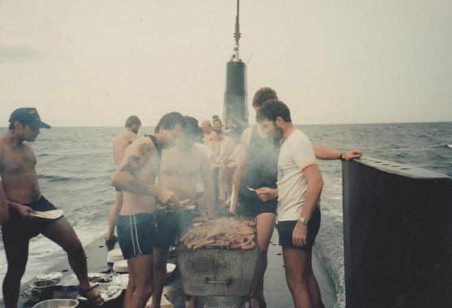 Cuộc sống như đi resort của thủy thủ tàu ngầm Mỹ - Ảnh 16.