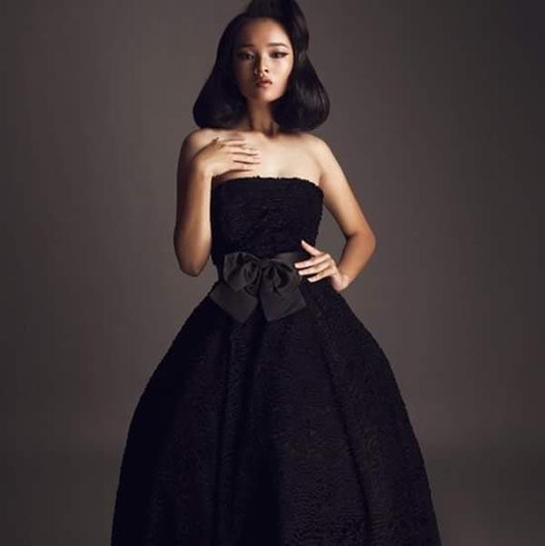 Diện mạo phổng phao của người mẫu 14 tuổi gây xôn xao làng giải trí Việt - Ảnh 1.