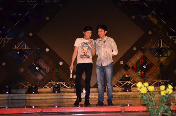 Hành động phì cười của Noo Phước Thịnh khi gặp trai đẹp Việt - Ảnh 14.
