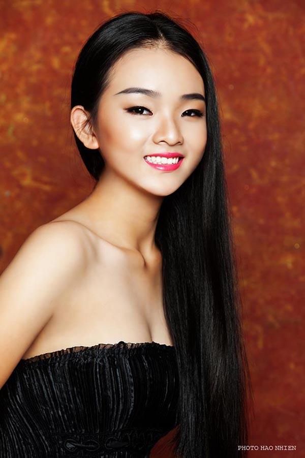 Diện mạo phổng phao của người mẫu 14 tuổi gây xôn xao làng giải trí Việt - Ảnh 8.