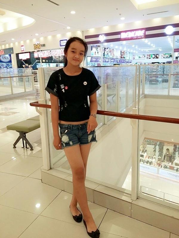 Diện mạo phổng phao của người mẫu 14 tuổi gây xôn xao làng giải trí Việt - Ảnh 16.