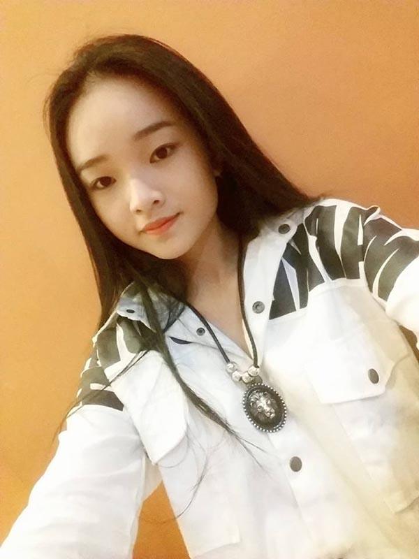 Diện mạo phổng phao của người mẫu 14 tuổi gây xôn xao làng giải trí Việt - Ảnh 11.