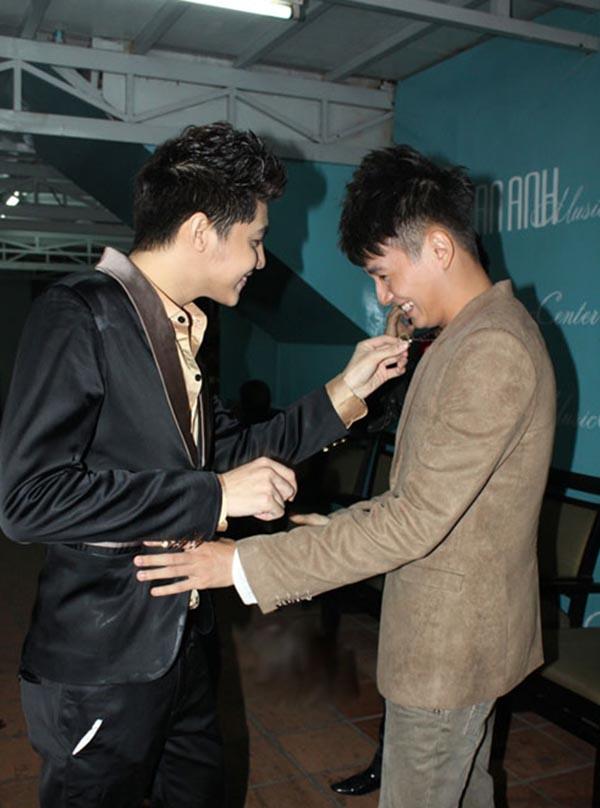 Hành động phì cười của Noo Phước Thịnh khi gặp trai đẹp Việt - Ảnh 3.