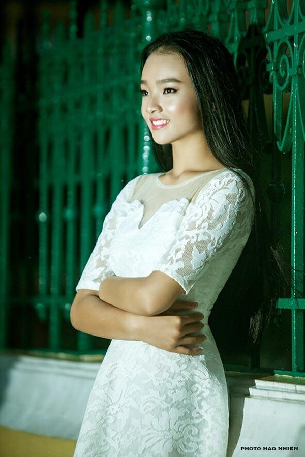 Diện mạo phổng phao của người mẫu 14 tuổi gây xôn xao làng giải trí Việt - Ảnh 9.