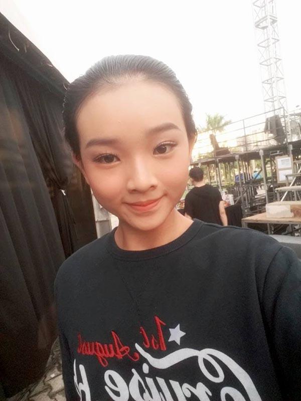 Diện mạo phổng phao của người mẫu 14 tuổi gây xôn xao làng giải trí Việt - Ảnh 14.