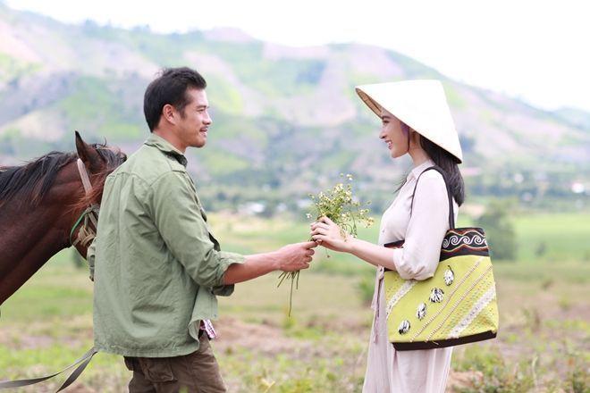 Angela Phương Trinh chịu cực khổ để đóng vai ngoan hiền - Ảnh 8.