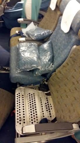 Tiếp viên hàng không bỏ ra gần 3 tỷ đồng để buôn lậu vàng - ảnh 1